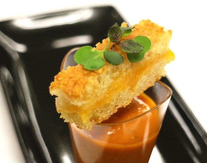 IMG_0469_Tomatoe-Bisque-and-Grilled-cheese-Shooters